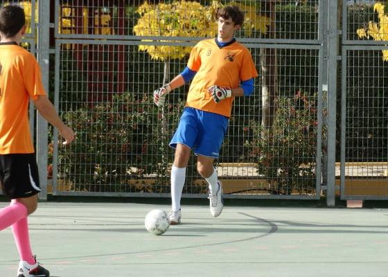 Colegio Punta Galea – Fútbol: Profesores Vs Antiguos Alumnos