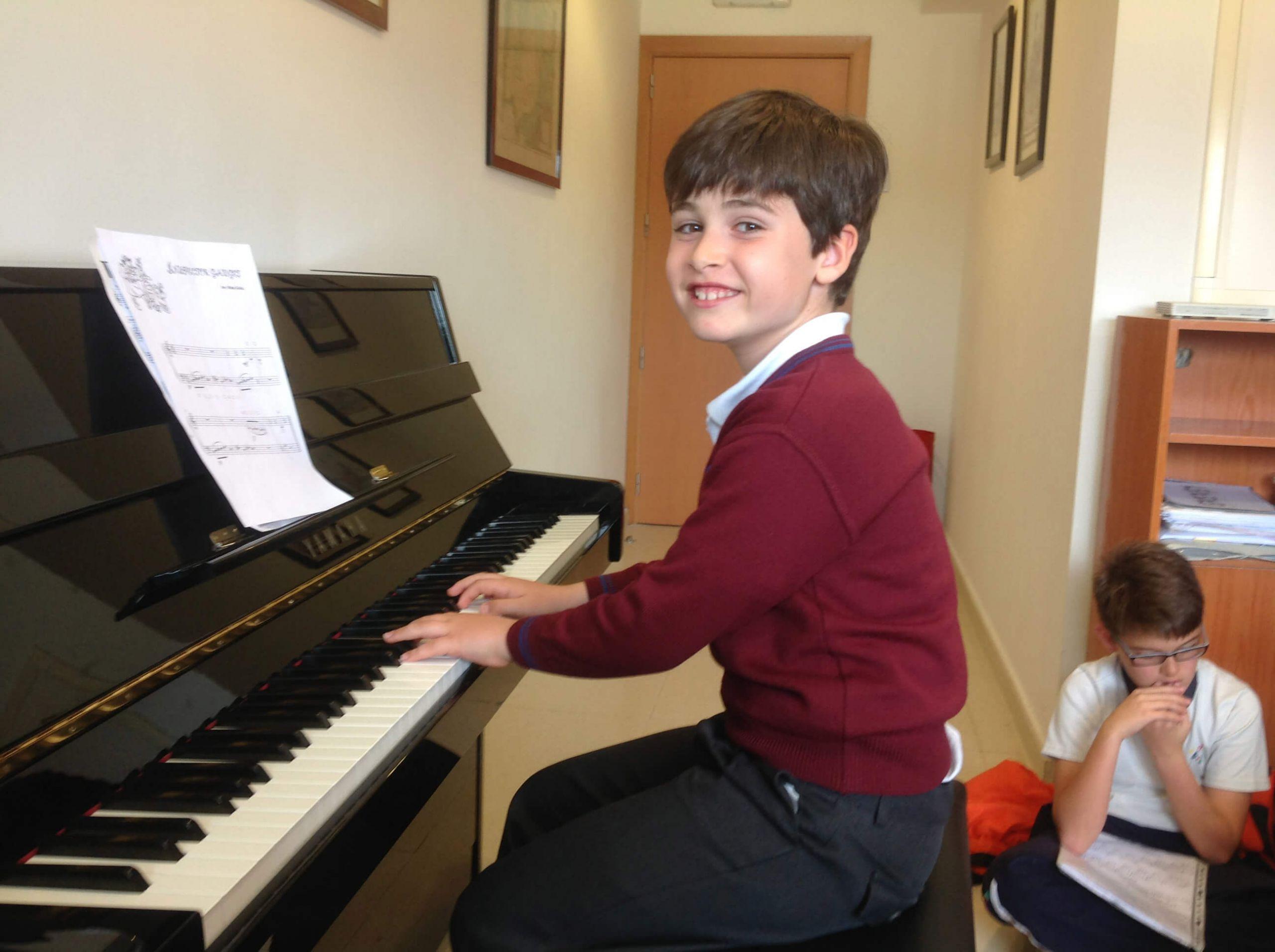 Actividad extraescolar de piano