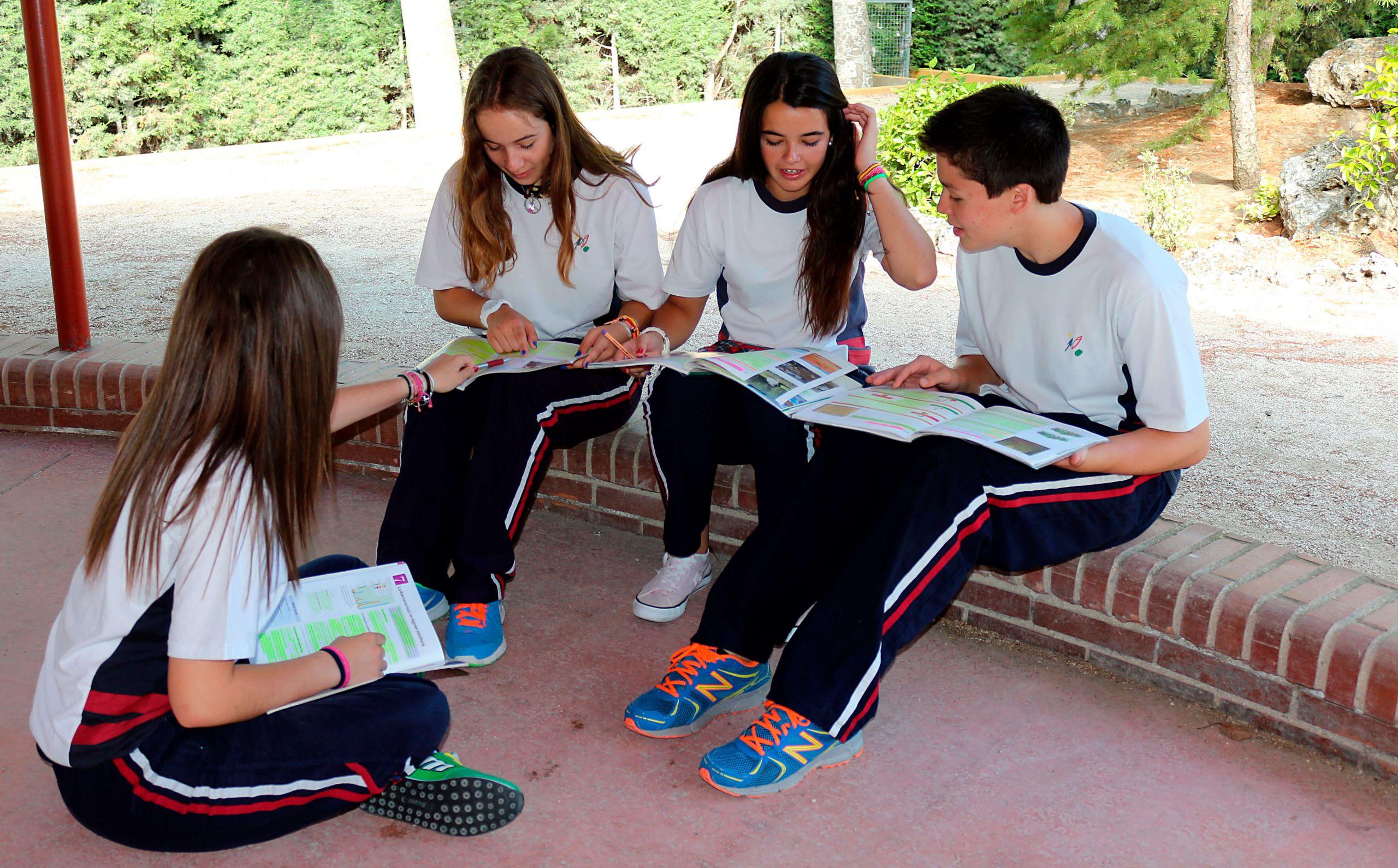 Alumnos del Colegio Punta Galea