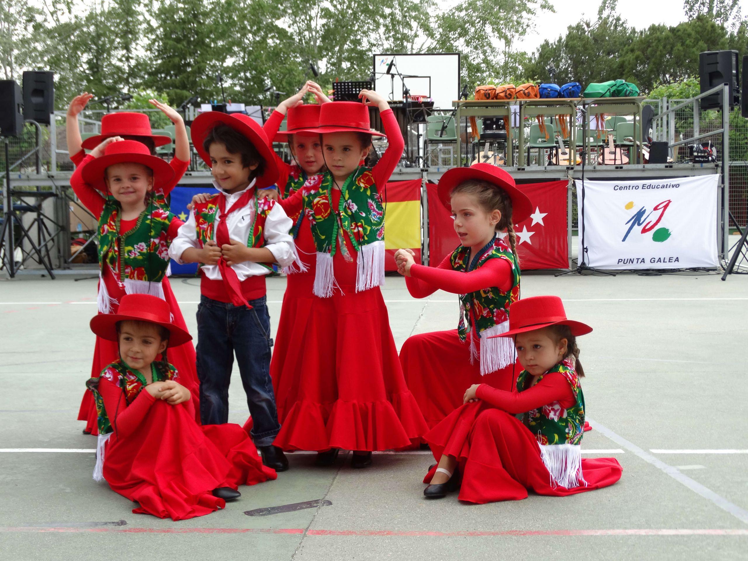 Actuación de alumnos de baile flamenco