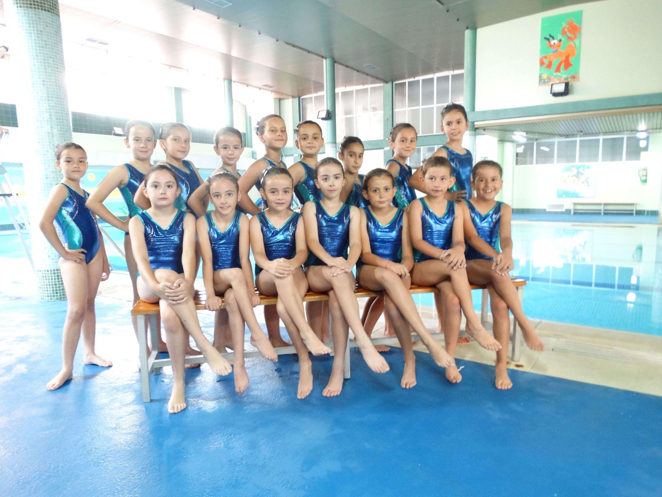 Equipo femenino de natación sincronizada