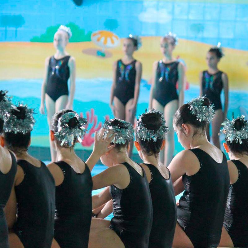 Exhibición de natación sincronizada