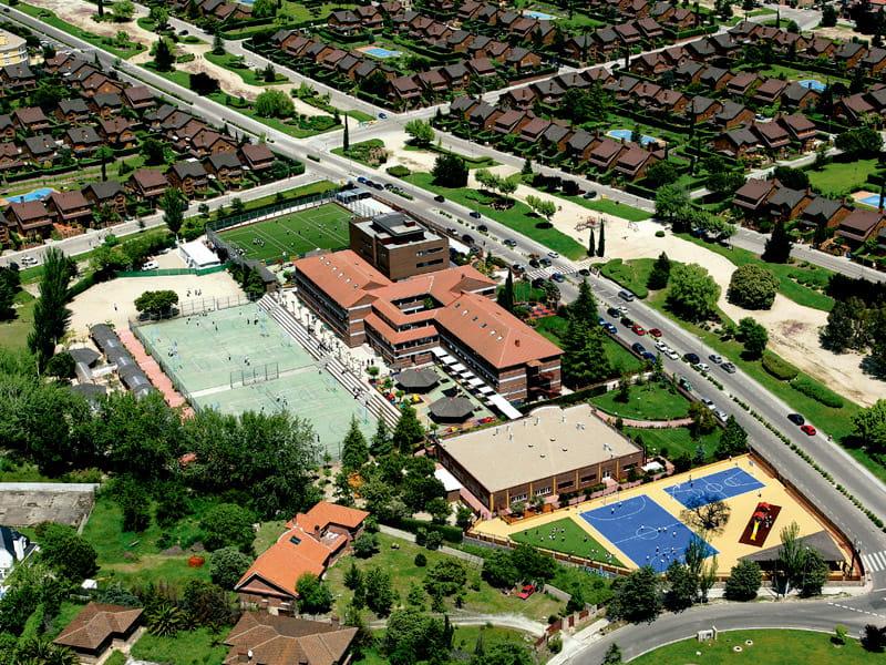 Vista aérea del Colegio Punta Galea
