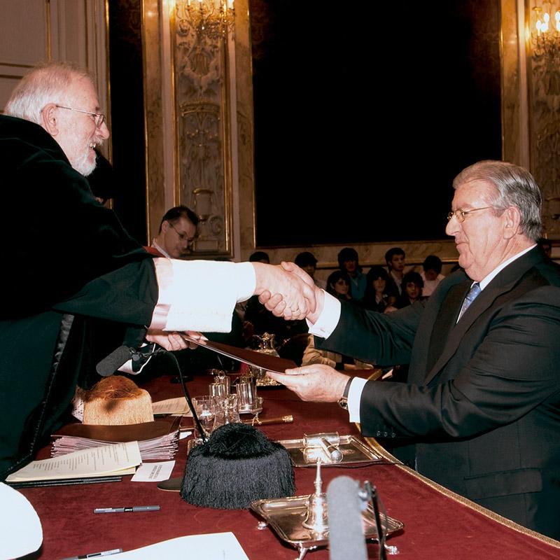 Juan José Palacios con el Decano