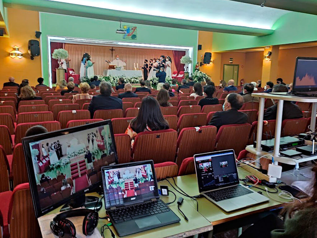 Retransmisión online de las comuniones del colegio