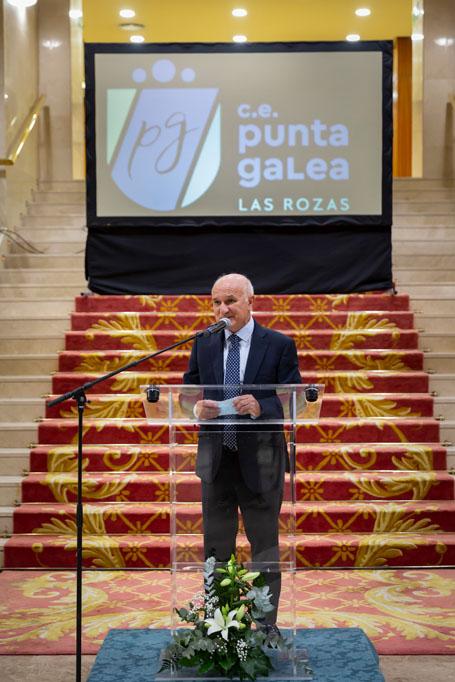 Homenaje al director del Colegio Punta Galea